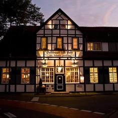Beleuchteter Gasthof zur Post in Ladbergen